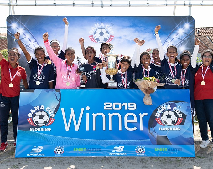 The OSCAR U16 girl's team travelled to Denmark to take part in the second largest youth tournament in the world. Their dream became a reality when they won the finals against the Norwegian team, Toten FK by 2-1.